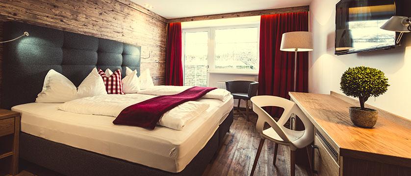 Austria_Oberau_Gasthof_Kellerwirt_bedroom.jpg